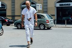 http://chicerman.com  billy-george:  Thats a cool shirt!  Photo by Tommy Ton  #streetstyleformen