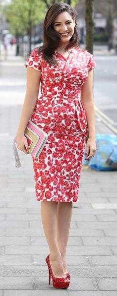 Kelly Brook in a flattering 50's style dress