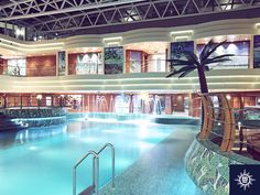 Lounge at the Tropici Pool aboard #MSCFantasia, one of the first ships in the fleet with a magrodome to enjoy year-round swimming. Boravite na natkrivenom bazenu Tropici na brodu #MSCFantasia, gdje možete uživati u plivanju tijekom cijele godine.