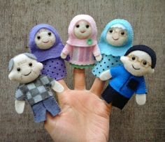 Muslim family finger puppets