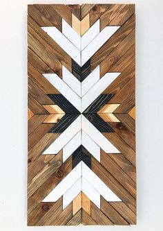 Lead time for shipping is 4 to 6 weeks. The photo shown is a previously sold beautiful modern art piece made with reclaimed wood. Its made with pallet and reclaimed wood It can be hanged vertically or horizontally. We used 2 d Reclaimed Wood Wall Art, Wooden Wall Art, Salvaged Wood, Barn Wood, Diy Décoration, Barn Quilts, Wood Patterns, Wall Art Designs, Wood Design