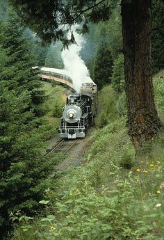 Oregon Pacific and Eastern Steam Train | I've never been on a train but i really want to!!