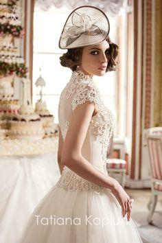 Lady of Quality - Tatiana Kaplun Bridal 2016 Collection - Be Modish Shift Wedding Dress, Amazing Wedding Dress, Wedding Dress Trends, Wedding Dress Sleeves, Long Wedding Dresses, Bridal Dresses, Wedding Gowns, Flower Girl Dresses, Elegant Bride