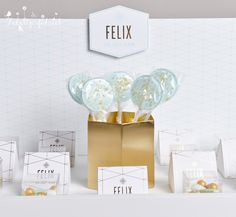 Birth announcement goldfoil and mint. Lucky charm. Geboortekaartje en doopsuiker op maat.