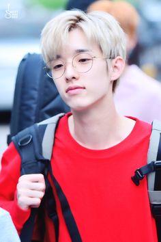 170630 뮤뱅 퇴근 HQ2P Your smile warms everyone's heart@Jae_Day6  #데이식스 #DAY6 #제이 #Jae  #EveryDAY6 #SUNRISE