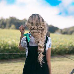 39 Trendy + Messy Chic Braided Hairstyles – Big Braid #hairstyle #braids #hairstyles