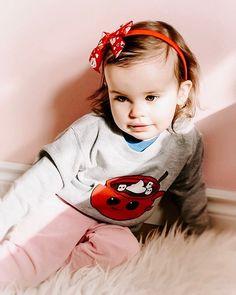 Sweet Heart 💓 . . . . . #lovebeanandboo #sweetheart #hotchocolate #valentines #trendytots #babyfashionista #stylishkids #toddlerfashion #igbabies #mamarazzi #lighting #letthembelittle #thatsdarling #petitejoys #flashesofdelight #thehappynow Let Them Be Little, Little Ones, Baby Fashionista, Stylish Kids, Top Knot, Toddler Fashion, Head Wraps, Hot Chocolate, Headbands