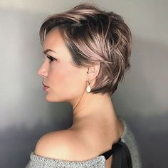 We put together Trendy Best Pixie Cut Hairstyles for 2019 Look Fashionable. You will have the perfect look with these hairstyles. You can get inspiration from these hairstyles. Pixie Haircut For Thick Hair Wavy, Longer Pixie Haircut, Thin Hair Cuts, Short Thin Hair, Cut Hairstyles, Spring Hairstyles, Cute Hairstyles For Short Hair, Curly Hair Styles, Women Pixie Cut