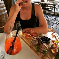 Aperitivo or happy hour brunch or dèjeuner...but it's always important to stay hungry and thirsty! #prosecco #spritz #foodblogger #brunch #aperolspritz #croissant #happyhour #aperitivo #stayhungry #staythirsty #thirstythursday #throwbackthursday #pizza #breadlover #brunchtime #loveitaly #dejeneur #proseccotime #blackolives #photooftheday #colazione #breakfast #foodtime #italianeats