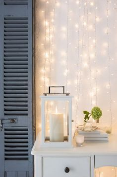 Lights and garlands in the Nordic Christmas decoration - New Site White String Lights, Christmas String Lights, Christmas Garlands, Nordic Christmas Decorations, Light Decorations, Nordic Interior, Home Interior, Interior Design, Nordic Wedding