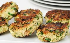 Millet Fritters with Spinach, Feta and Raisins - Skip the raisins to make it Candida Diet friendly Chef Recipes, Veggie Recipes, Cooking Recipes, Healthy Recipes, Healthy Meals, Millet Recipes, Tofu, Clean Eating, Candida Diet