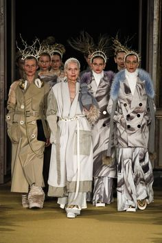 Undercover Fall 2016 Ready-to-Wear Fashion Show (designer: Jun Takahashi)