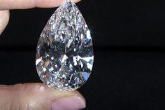 Cidadão da Guiné Conacri detido no Bié com mais de 100 quilates de diamantes ilegais http://angorussia.com/noticias/angola-noticias/cidadao-da-guine-conacri-detido-no-bie-com-mais-de-100-quilates-de-diamantes-ilegais/
