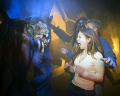 Screaming at Halloween Horror Nights #halloween http://hallowmix.com