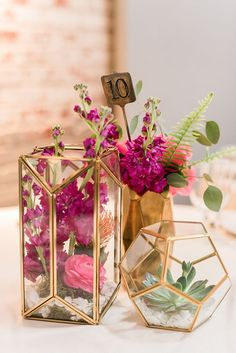Glass Geometric Terrarium/ Wedding Table Decor/ Succulent Planter/Air Plants Glass Vase/Terrarium Kit/ Terrarium Gift/ Terrarium Centerpiece Gorgeous hexagonal / triangular / cube terrariums with gold Unique Wedding Centerpieces, Gold Wedding Decorations, Unique Weddings, Gold Centerpieces, Wedding Vases, Wedding Plants, Small Weddings, Gold Vases, Unique Wedding Themes