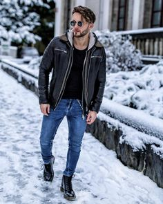Style by @luke.baldman  Yes or no?  Via @gentwithstreetstyle  Follow @mensfashion_guide for dope fashion posts!  #mensguides #mensfashion_guide