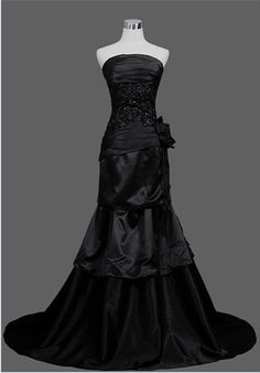 i want a life that wuld me to live in this dress!!