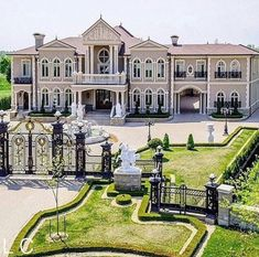 Mega Mansions, Mansions Homes, Luxury Mansions, Dream House Exterior, Dream House Plans, Style At Home, Dream Home Design, Modern House Design, Dream Mansion
