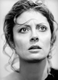"""Susan Sarandon by Fabrizio Ferri. I look forward to being older, when what you look like becomes less and less of an issue and what you are is the point"""" Susan Sarandon. Susan Sarandon, Famous Women, Famous People, Kino Movie, Pretty People, Beautiful People, Beautiful Boys, Thelma Et Louise, I Love Cinema"""