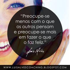 """PENSAMENTO DO DIA  Qual o peso da opinião alheia no seu bem-estar? Partilhe a sua experiência nos comentários.  QUOTE OF THE DAY IN ENGLISH: """"Worry less about what others think and worry more in doing what makes you happy."""" - LUIS ALVES  #LuisAlvesFrases #PensamentoDoDia #FraseDoDia #Felicidade #OpiniãoAlheia #Sucesso #BemEstar"""