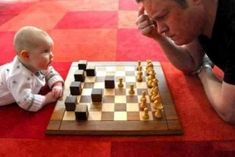 Chess playing is a habit which once made will not be easy to quit. 6 Things Chess players can learn from 2 year old baby. Foto One, Cute Babies, Baby Kids, Foto Newborn, Foto Baby, Parenting Fail, Cute Baby Pictures, Newborn Baby Photography, Children Photography