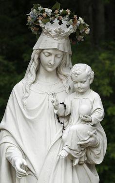 señora y madre del amor