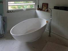 Campione - Mineralguss-Badewanne und die Origins - Standarmatur sind DAS dream-team für Ihr neues Badezimmer! http://www.baedermax.de/freistehende-badewannen/mineralguss/campione-6.html #badewanne #badezimmer #badeinrichtung #badausstattung #freistehend #bathtub #bathroom #bädermax #mineralguss #badezeit