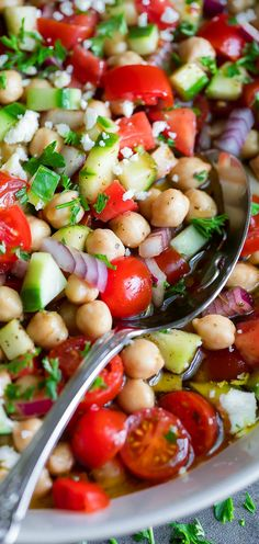 Marinated Chickpeas with Tomatoes and Cucumber - Peas And Crayons - - Flavorful Marinated Chickpeas transform a plain can of garbanzo beans into the most magical and delicious side dish! Vegan and Vegetarian versions available. Healthy Salad Recipes, Diet Recipes, Vegetarian Recipes, Cooking Recipes, Vegetarian Side Dishes, Roast Recipes, Turkey Recipes, Bread Recipes, Chicken Recipes
