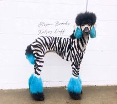 🤩Amazing grooming work done by Allison Brooks and Kelsey Duff with OPAWZ Permananet Pet Hair dyes. An excellent option for professional use! Dog Hair Dye, Dyed Hair, Zoo Animals, Cute Animals, Creative Grooming, Permanent Hair Dye, Animal Fashion, Pet Grooming, The Duff