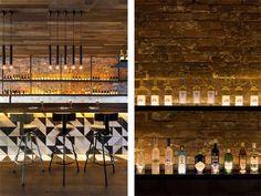 restaurante-paredes-ladrillo-visto-forrado-madera-estilo-industrial
