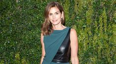 Cindy Crawford reveals her four best healthy beauty tricks.