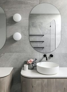 Everything you need to know about lighting your bathroom lighting Everything you need to know about lighting your bathroom - STYLE CURATOR Bathroom Plans, Bathroom Layout, Modern Bathroom Design, Bathroom Interior Design, Small Bathroom, Remodel Bathroom, Modern Interior, Master Bathroom, Latest Bathroom Designs