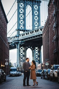 New York City Engagement Session in DUMBO with the Manhattan Bridge at dusk @ Black Frame Photos