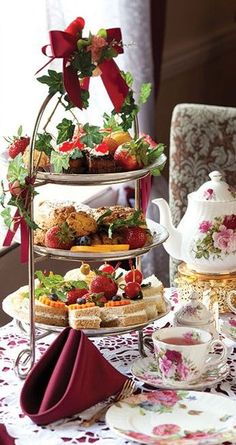 Birthday Breakfast Party Afternoon Tea 49 Ideas For 2019 - Birthday Breakfast Party Afternoon Tea 49 Ideas For 2019 - Christmas Afternoon Tea, Christmas Tea Party, Afternoon Tea Parties, Afternoon Tea Recipes, Tea Sandwiches, Vintage Tea Parties, Vintage Party, Tea Time, Tea Cups