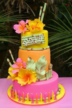 Hawaiian Birthday Cakes For Girls Easy Themed Cakes Easy It Is To Make These Marshmallows Frosting And Tootsie Rolls Cake Table Ideas For Graduation Hawaiian Theme Cakes, Luau Cakes, Hawaiian Luau Party, Luau Theme, Beach Cakes, Tropical Party, Teen Pool Parties, Summer Parties, Tea Parties