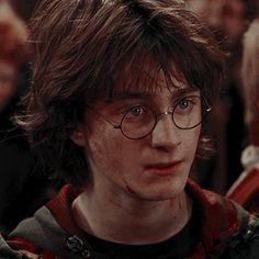 Harry James Potter, Daniel Radcliffe Harry Potter, First Harry Potter, Harry Potter Icons, Mundo Harry Potter, Harry Potter Tumblr, Harry Potter Pictures, Harry Potter Aesthetic, Hermione