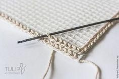 Diy canvas 780107966688187931 - How to Crochet a Cozy Mat – Livemaster Source by katjahofstetter Crochet Mat, Crochet Carpet, Crochet Rug Patterns, Crochet Home, Crochet Stitches, Knit Rug, Latch Hook Rugs, Rug Hooking, Locker Hooking