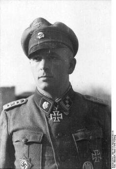 "SS-Sturmbannfuhrer Lino Masarie; Führer - Aufkl.Abt der SS-""Totenkopf""-Div"