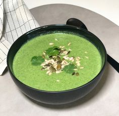 Spinatsuppe - super grønn og super god! — Hege Hushovd Cottage Cheese, Palak Paneer, God, Nom Nom, Food And Drink, Ethnic Recipes, Cooking, Soups, Pasta