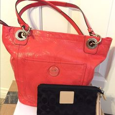 Coach Alex Signature Stitch Patent Leather Tote This is authentic purse Coach Alex Signature Stitch Patent Leather Tote Handbag 14265 Coral Purse  Pre owned look new inside have some pen mark but not that much missing hang tags come with new whistle good for this summer Coach Bags Totes