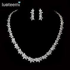 LUOTEEMI Hot Selling Elegant Noble Clear Bright CZ Flowers Pendant White Gold Plated Charm Choker Necklace for  Bridal Wedding
