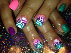 Tribal ombré nails!  www.facebook.com/ExtraordinaryNailsByEva