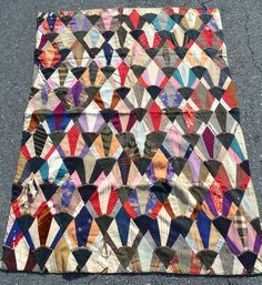 ANTIQUE 1800'S SMALL UNUSUAL FAN PATCHWORK QUILT QUILTED TIED EARLY DRESS FABRIC