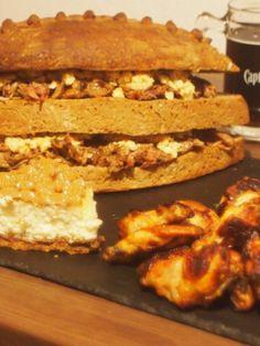 Superball51 Menue Selbstgebackenes Brot, Pulled Pork, Chickenwings, Drumsticks, American CheeseCake mit Carameltupfern