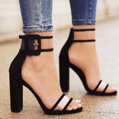 Lala ikai mulheres sandálias com tira no tornozelo sandálias de luxo pvc crystal clear concise clássico bracelete de salto alto sapatos xwc0724-5
