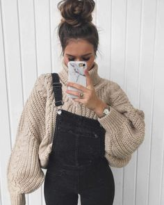 Formas chic de insertar un suéter de cuello de tortuga en tus outfits - - Formas chic de insertar un suéter de cuello de tortuga en tus outfits Cute Outfits ♡♡ Schicke Möglichkeiten, einen Rollkragenpullover in deine Outfits zu stecken Mode Outfits, Casual Outfits, Fashion Outfits, Fashion Clothes, Womens Fashion, Dress Fashion, Classy Outfits, Fashion Trends, Cute Dress Outfits