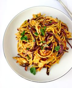 Thai noodles with sweet and spicy sauce. Pasta salad, work meal and quick cold dinner. Sweet And Spicy Sauce, Thai Noodles, Sweet Cooking, Work Meals, Cooking Recipes, Healthy Recipes, Test Kitchen, Food And Drink, Dinner