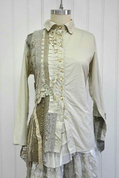 Unique idea for upcycled shirt. Very inspiring Redo Clothes, Sewing Clothes 61f49394a7
