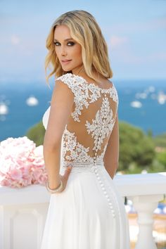 Wedding dresses by Ladybird Bridal are stylish, affordable and have the perfect fit. Also plussize sizes, vintage and bohemian bridal wedding dresses! Wedding Dress Sleeves, Bridal Wedding Dresses, Wedding Attire, Bridesmaid Dresses, Groom Outfit, Dream Dress, Bridal Collection, Marie, Ball Gowns
