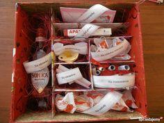 Podobny obraz Diy Gift Box, Diy Gifts, Birthday Gifts For Teens, Happy Birthday, Gifts For Wedding Party, Toddler Crafts, Diy And Crafts, Birthdays, Presents